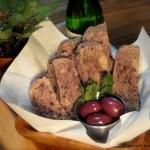 Olivový raw chléb s česnekem a Irským mechem (raw, vegan, bez lepku)