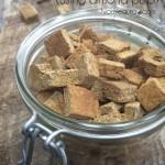 Krutony s italským kořením z mandlové mouky (raw, vegan, bez lepku)