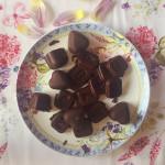 Čokoládové jemné pralinky  (raw, vegan, bez cukru)